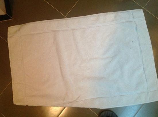 Amaya Lake: dirty towels