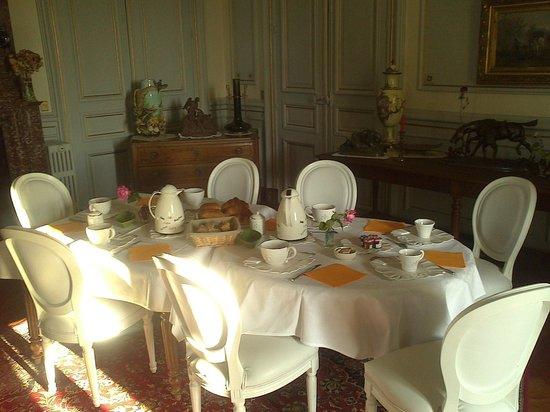 Chateau Bouvet Ladubay : Salon de desayuno