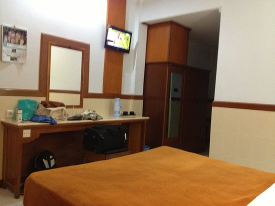 Hotel Sorga Cottages: Room 114,ground floor air con/TV