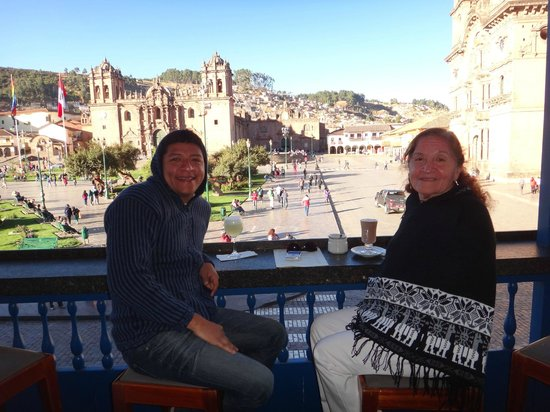 Plaza de Armas Cusco Hotel: Breakfast time ! Great view to the plaza