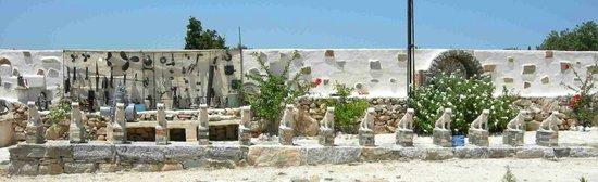 Folklore Art Museum Of Cycladic Civilization: Delos' lions!