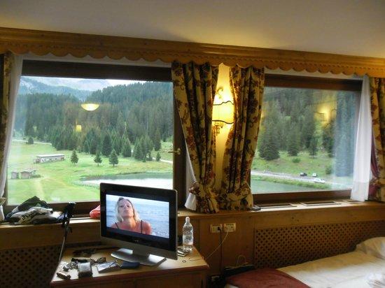 Golf Hotel Campiglio - ATAHotel: panorama dalla camera