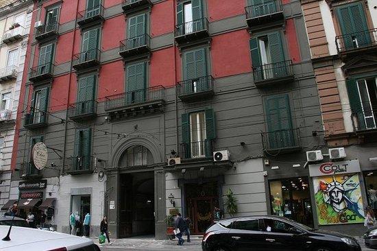 Hotel Nuovo Rebecchino : ホテルの外観