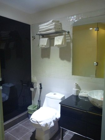 The Baba House: Bathroom