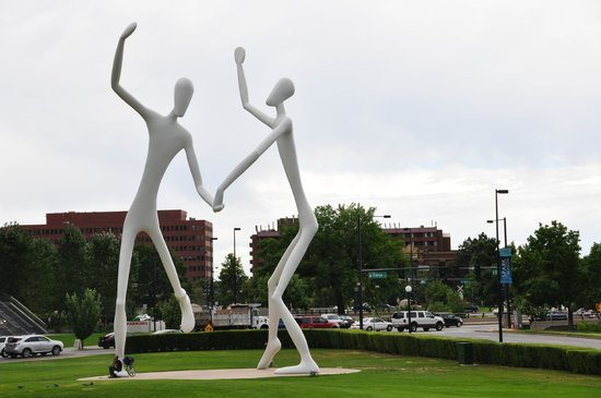 Banjo Billy's Bus Tours: the tour will take you past some great outdoor art - this one is called 'let's dance'