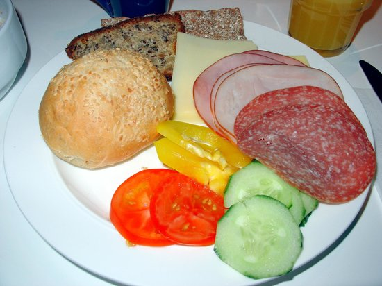 Hotel Gustav Vasa: cold Cuts, Vegetables, Cheese, Rolls and Bread