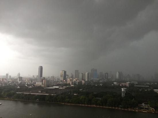Somerset Lake Point Bangkok : view from hotel