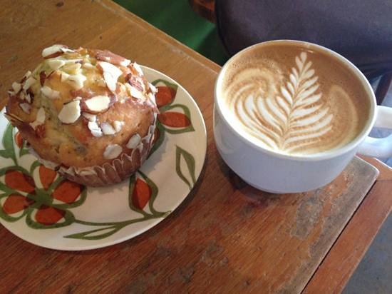 Green Plow Coffee Raosters: Scrumptious lemon poppyseed muffin & an Almond Agave Soy Latte!