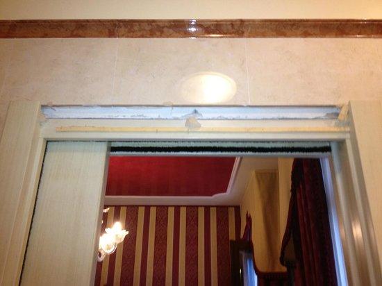 Hotel Belle Epoque: au dessus de la porte