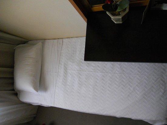 Hotel Oslo Coimbra : Situación cama