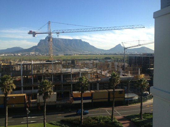Colosseum Luxury Hotel: view of Table Mountain & Lion's Head & Signal Hill