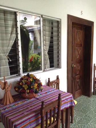 Posada La Merced Antigua: outside of room