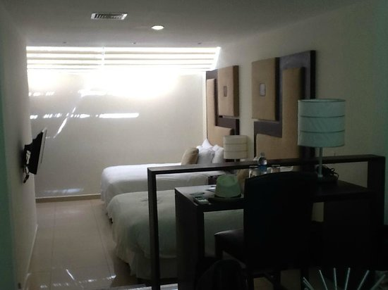 Hotel Contempo: Contempo room with 2 double beds