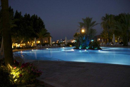 Divan Bodrum : Divan Pool by night