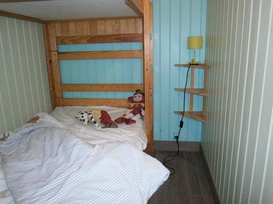 Le Bois Saint Martin : kids bedroom