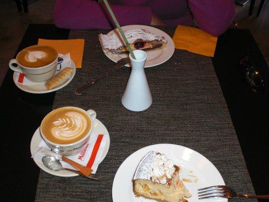 Saiakangi Kohvik Cafe Wecken Gang: Jummm che dolci!