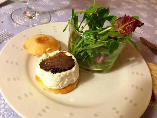 La Bastide des Princes : Cheese Mini Burger with summer truffles