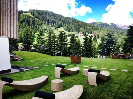B&B Villa Flora: Le sdraie dal design contemporaneo per rilassarsi