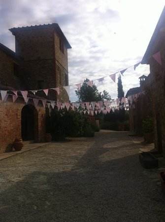 Hotel Borgo Casabianca: Our fantastic wedding decorations. Thanks to Anamaria for accommodating & making it so special!