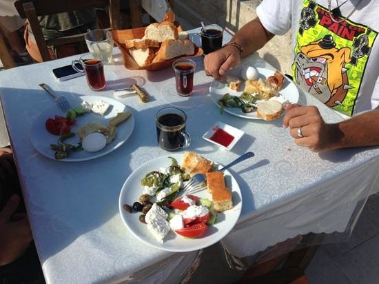 Nature Park Cave Hotel: la nostra colazione: marmellate deliziose!