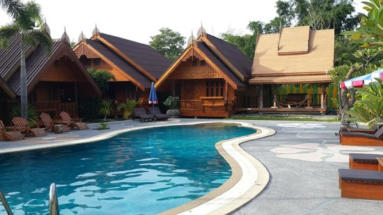 "Srisawat Resort: Central pool surrounded by ""Thai Lanna"" rooms"