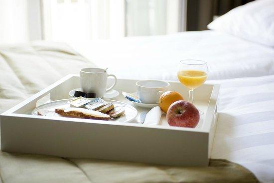 Hotel Apple Inn: room service