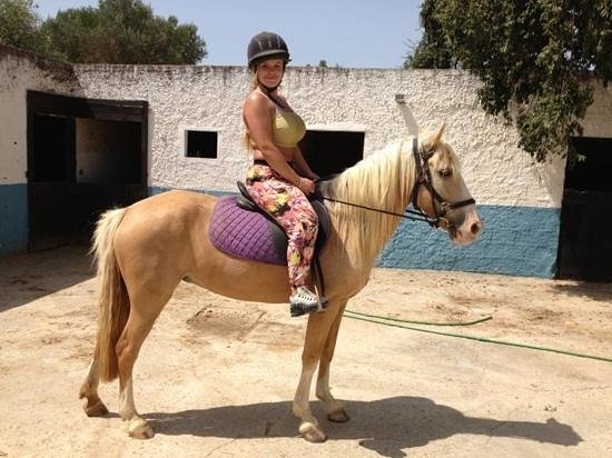 Albufeira Riding Centre: my little pony Goldie