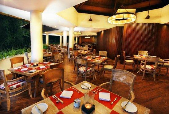 Sanur Paradise Plaza Suites: Teras Restaurant