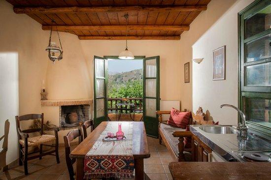 Axos, Grekland: Two Room Apartment