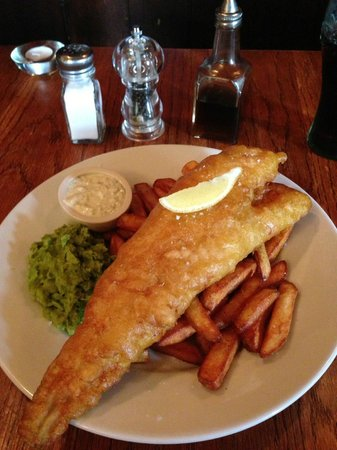 Lord Lyon: Fish and chips with mushy peas