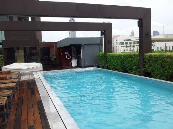 VIE Hotel Bangkok, MGallery by Sofitel: Pool view.