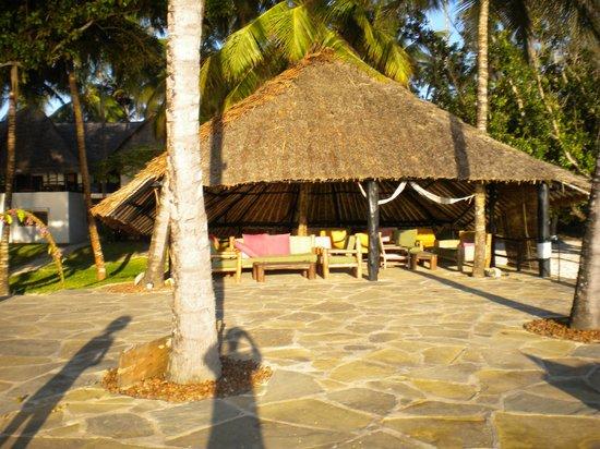 Kusini Beach Cottages : Pool area