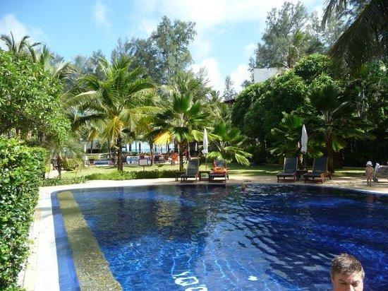 Sunwing Bangtao Beach: Pool area next to our room