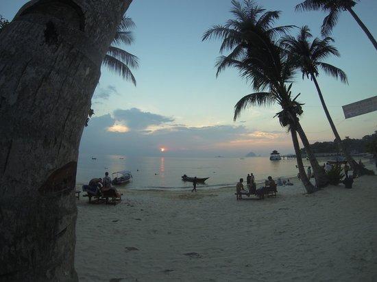 Senja Bay Resort: View from our front door! Senja Resort - Perhentian Kecil