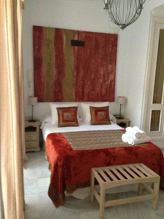 Casa Coquillat: Il nostro letto (molto comodo)