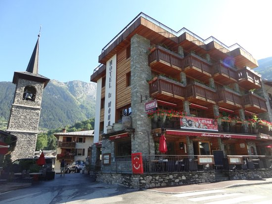 Hotel front - Picture of Hotel Le Monal, Sainte-Foy-Tarentaise ...