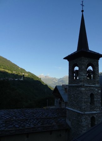 Hotel Le Monal : Valley view from balcony