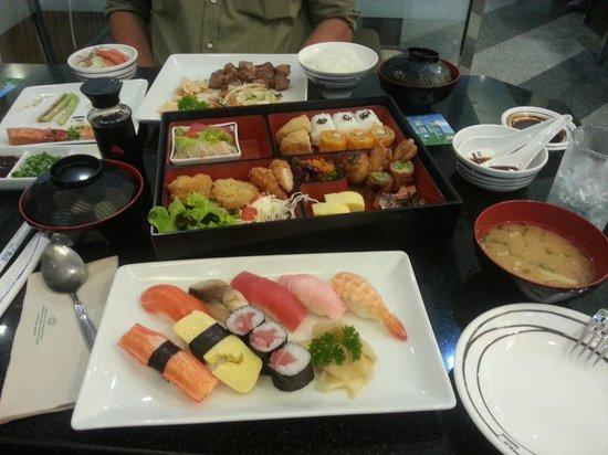 Fuji Japanese Restaurant - Jungceylon Patong: sushi party