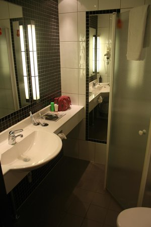 Nordic Light Hotel: aseo habitacion
