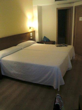 Hotel Ogalia: Habitación