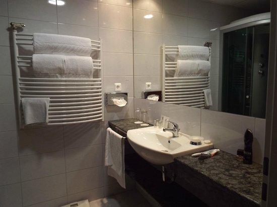 Balneo Hotel Zsori Thermal & Wellness: stunning bath