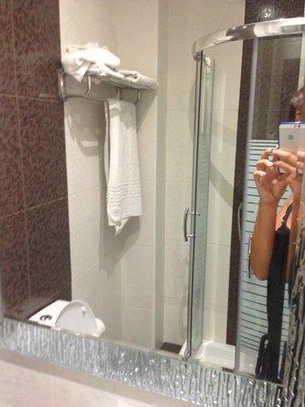 Bagno nuovo - Picture of Catherine Hotel, Kos Town - TripAdvisor