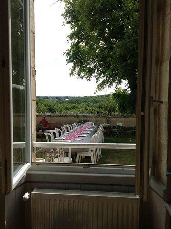 Domaine de Montgenoux: La terrasse avec sa vue