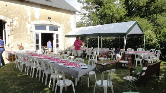 Domaine de Montgenoux: En attendant les 75 invités ...