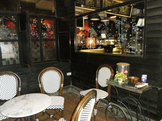 Thefabulousdessertcafe: Fabulous hideaway