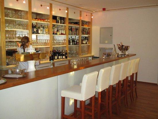 Wyndham Garden Bad Malente Dieksee: Hotell bar