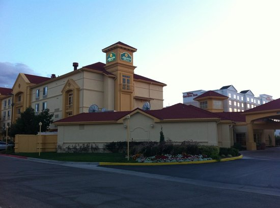 La Quinta Inn & Suites Salt Lake City Airport: L'extérieur