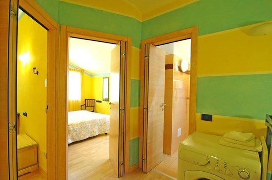 World Village Apartments: Mediterraneo Apt