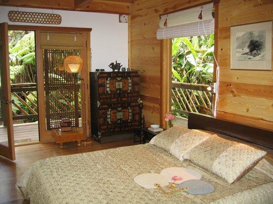 Lotus Garden Cottages: Lotus Suite