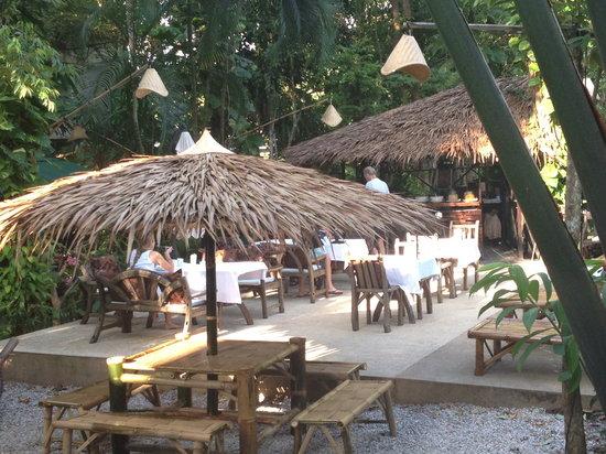 Aonang Tropical Resort: Poolbar